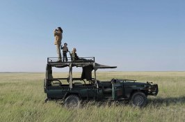 family-safari-in-botswana