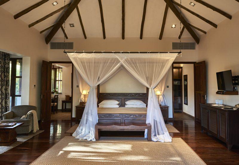 legendary_expeditions_-_legendary_lodge_-_meru_bedroom