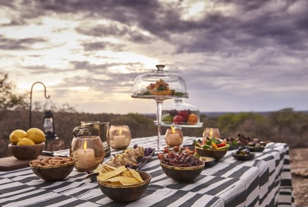 legendary_expeditions_-_mwiba_lodge_-_drinks_and_snacks_as_the_sun_sets