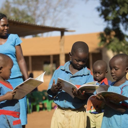 elsas_kopje_-_community_-_conservation_education_at_ura_gate_primary_csilverless-16